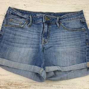 Mossimo Mid-Rise Midi Distressed 8 Jean Shorts